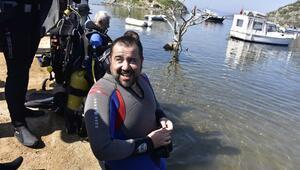Ata Demirer, Bodrumda deniz temizliği yaptı