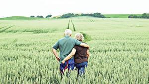 50-60 yıl süren evlilikler yaşlılıkta cinselliği artırıyor