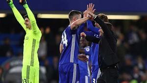 Chelseaden şampiyonluk için dev adım