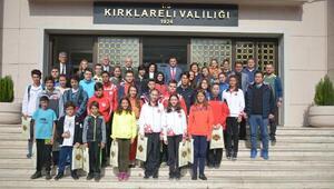 Gençlik Haftası şampiyonlarından Vali Civeleke ziyaret