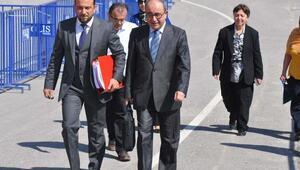 Eski rektör Bağcıya tutuklanan avukat sorusu