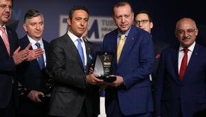 Ali Koça Fordun ödülünü Cumhurbaşkanının elinden aldı