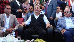 Sedat Peker Sivasta festivale katıldı