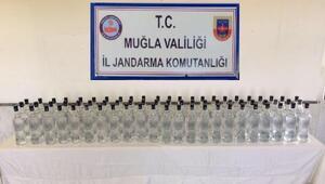 Akbükte 125 şişe kaçak içki ele geçirildi