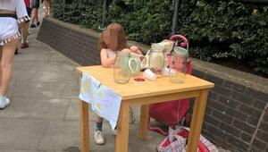 Limonata standı açtığı için 150 sterlin ceza kesilen 5 yaşındaki kıza onlarca iş teklifi geldi