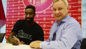 Antalyaspor, Djourou ile 2 yıllık sözleşme imzaladı