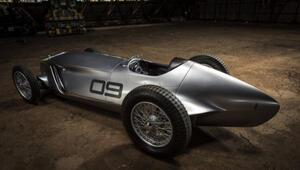 80 yıllık araba elektrikli oldu