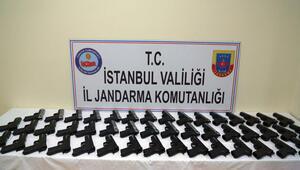 İstanbuldaki aracın bagajından cephanelik çıktı