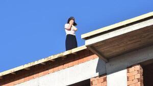 Namile kadın 9 katlı inşaata çıkarak intihara kalkıştı