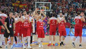 Türkiye, İspanyaya mağlup oldu Teşekkürler 12 Dev Adam...