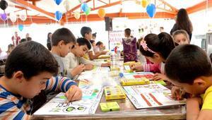 Çocuklar hayallerindeki mahalleyi kağıtlara çizdiler