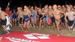 Bodrumda Dolunayda Yüzme Yarışı
