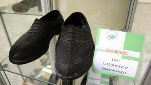 Şehit Eren Bülbülün kara lastik ayakkabısı müzede