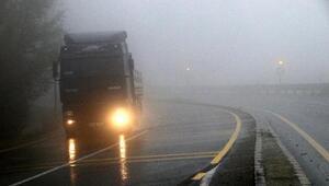 Bolu Dağında sis ulaşımı yavaşlattı