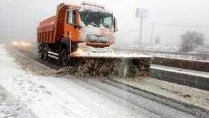 Bolu Dağında kar, ulaşımı zorlaştırdı (2)