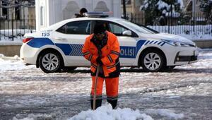 Bolu Dağı'nda kar ulaşımı zorlaştırdı (3)