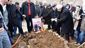 Halk ozanı Ali Kızıltuğ, son yolculuğuna uğurlandı