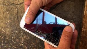 Kayalıklara düşen cep telefonunu AFAD ekibi buldu