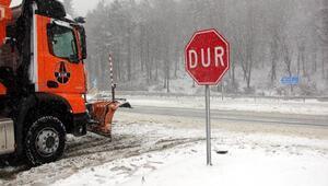 Bolu Dağında kar yağışı, ulaşımı zorlaştırdı