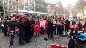 Bonn'lu Türklerden destek gösterisi