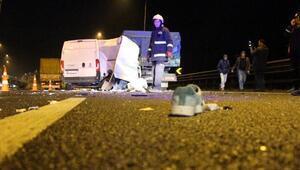 Minibüs kamyona çarptı: 1 ölü, 1 yaralı