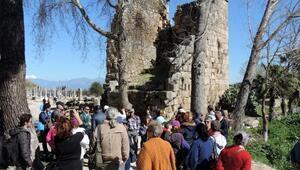 Konyaaltından Pergeye tarihi yolculuk