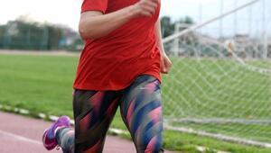 İşitme engelliAysun, azmiyle şampiyon atlet oldu