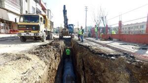 MESKİ Çilek Mahallesinde yağmursuyu hattı döşüyor