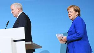 """""""İslam, Almanya'ya ait değildir diyen bakan yalnız kaldı"""