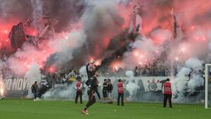 Galatasaraydan sonra bu kez de Corinthians taraftarları...