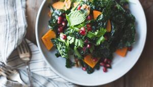Bu Tariflerde Bol Bol Yeşillik Var: Sağlıklı 4 Enfes Salata Tarifi