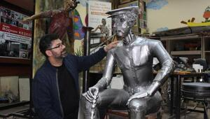 Hurda metalleri sanata dönüştürüyor