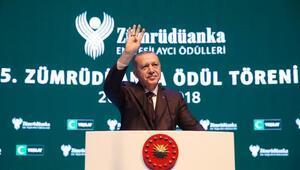 (GENİŞ)Erdoğan Yeşilayın ödül töreninde konuştu