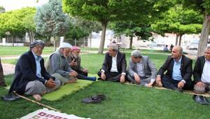 Başkan Demirkol vatandaşların taleplerini dinledi