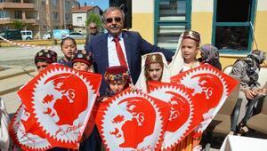 Gelibolu Belediye Başkanı Özacardan 23 Nisan kutlaması
