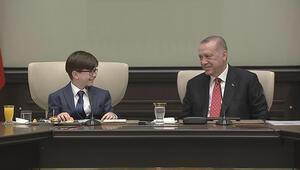 Küçük Cumhurbaşkanının yanıtı salonu gülümsetti