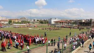 Silopide 6 yıl sonra 23 Nisan kutlaması stadyumda yapıldı