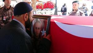 Şehit polis memuru, gözyaşlarıyla uğurlandı
