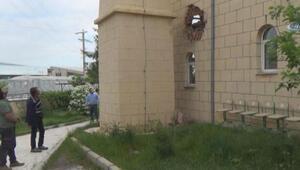 Caminin minaresine yıldırım düştü