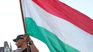 Mahkemeden Macar hükümetine ilginç ceza: Bir ay özür