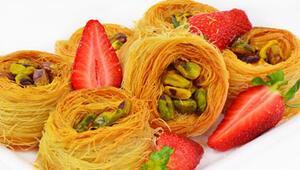 Mutfakların Vazgeçilmezi: 5 Geleneksel Türk Tatlısı Tarifi