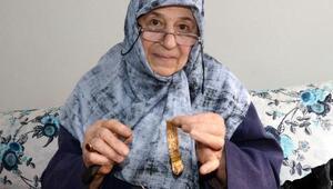 45 yıldır Trabzon hasır bileziği örüyor