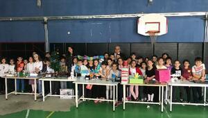 Robotik eğitimi alan çocuklar yeteneklerini sergiledi