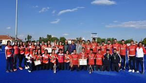 Polisgücü kadın hokeyciler Türkiye Şampiyonu