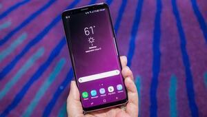 Android Go yüklü Samsung telefon yolda