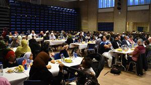 İsveç'te Müslümanlar ve Hıristiyanlar iftarda buluştu