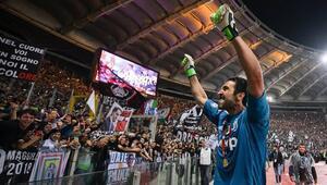 Juventustan Buffon geçti İnanılmaz kariyer...