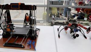 Üniversite öğrencilerinden 3D yazıcı ile yerli drone