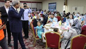 Yetim çocuklara iftar yemeği verildi