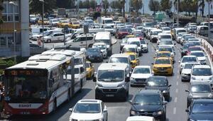 İzmirde trafiğe kayıtlı araç sayısı 1 milyon 371 bin 577 oldu